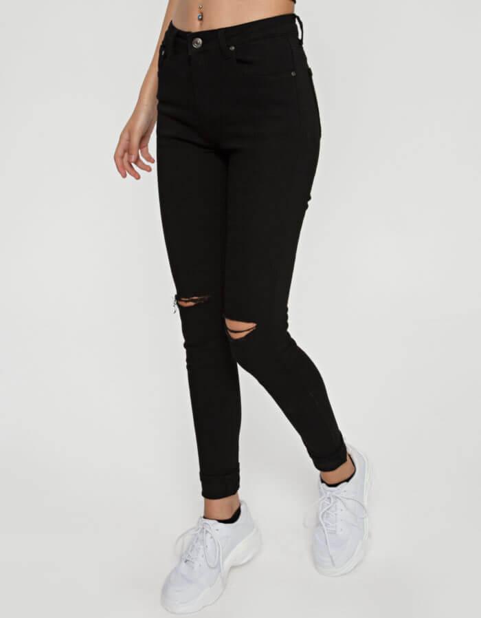 Παντελόνι μαύρο με σκίσιμο στο γόνατο 1