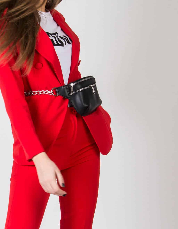 Κόκκινο Κοστούμι 4